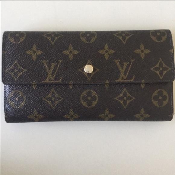 Louis Vuitton Handbags - Louis Vuitton Signature Wallet